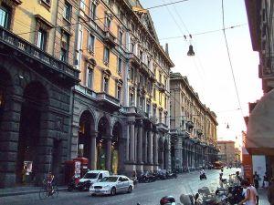 Via_Rizzoli,_Bologna