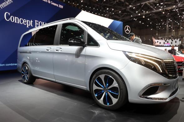 Foto's: Mercedes showt elektrisch V-klasse concept ...