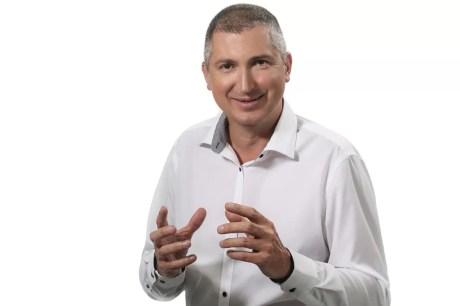 Doctor Vladislav Gyebnar chirurgie Plastica Fundatie