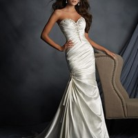 How to Embellish a Wedding Dress