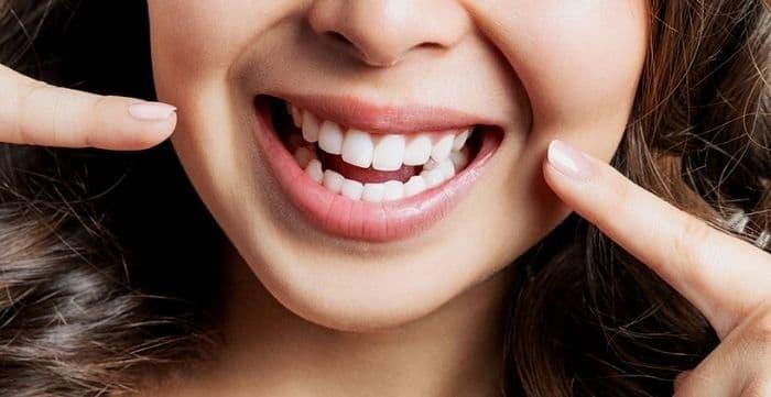 how to choose a cosmetic dentist for teeth veneers