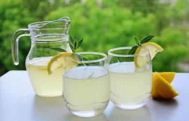 Benefits of Drinking Warm Lemon Water