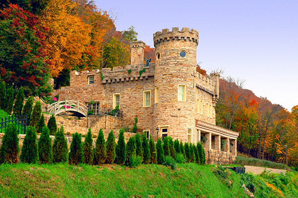 30 Most Incredible Castles In America