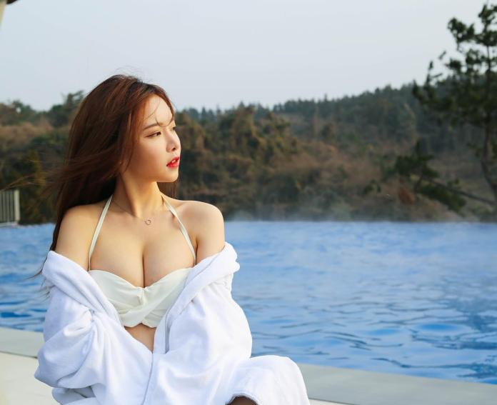 Lee Seul Lee Big Boobs Sexy Picture and Photo