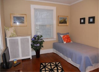 older-colonial-in-millburn_second-bedroom