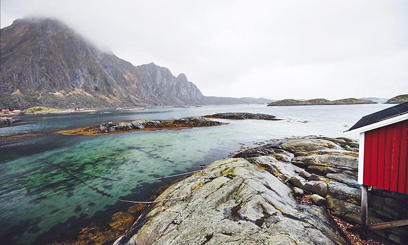 cabane de pecheurs rouge norvege