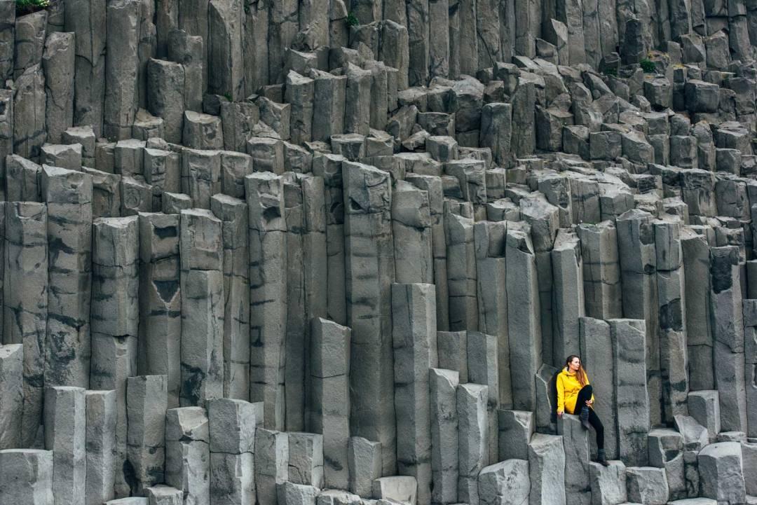 Plage noir islande colonnes de basaltes