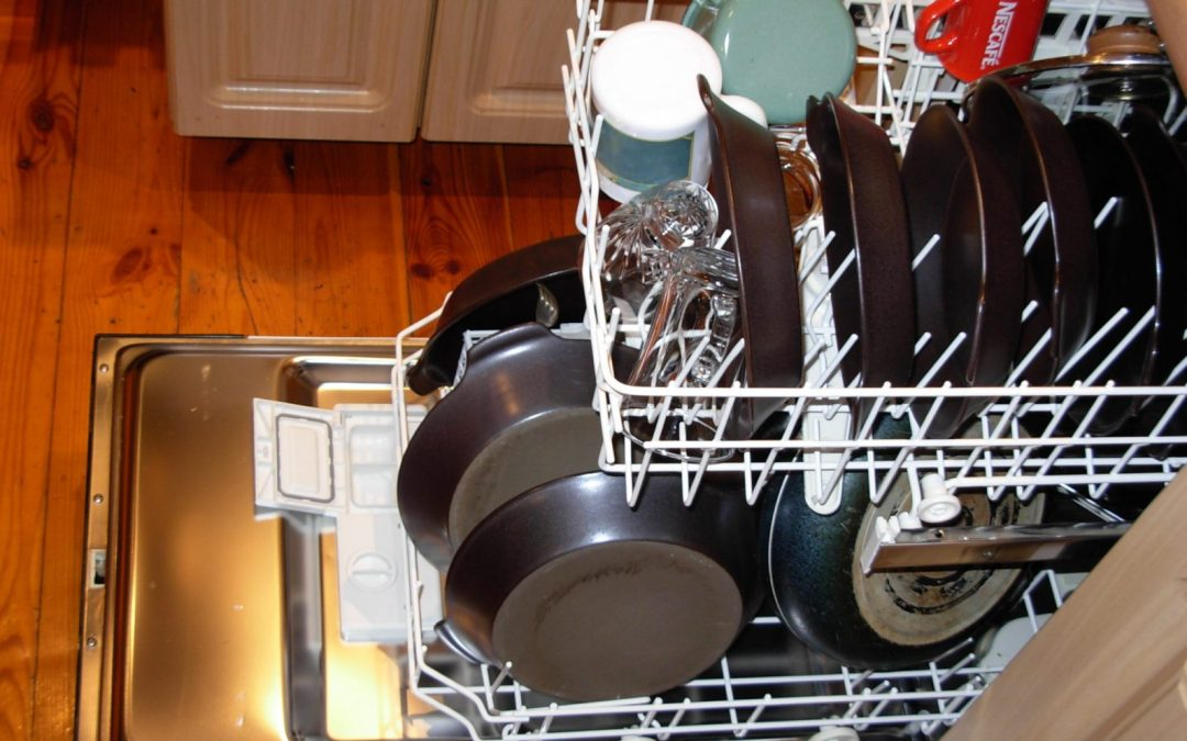 How to make your dishwasher squeaky clean
