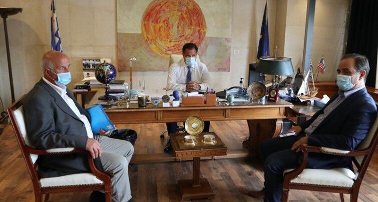 Στον Υπουργό Ανάπτυξης ο Δήμαρχος Καρδίτσας Βασίλης Τσιάκος