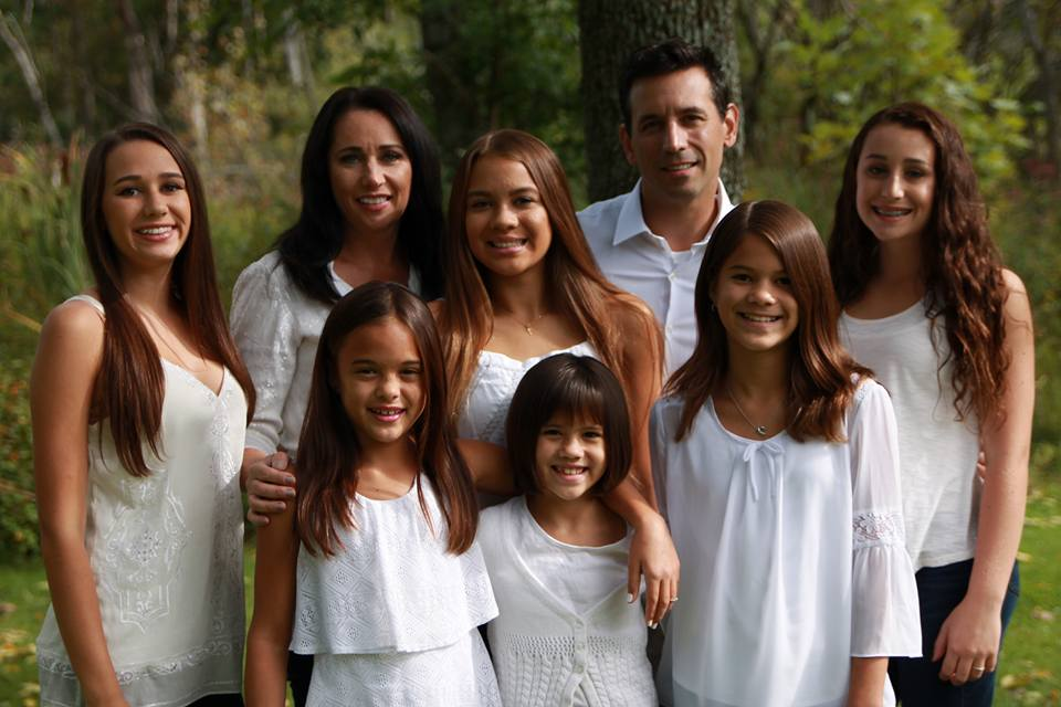 υιοθεσία κόρες