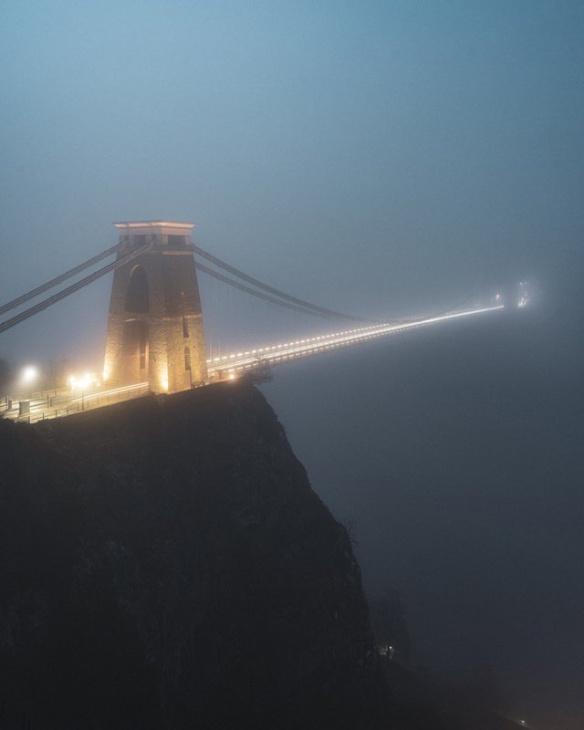 clifton suspension bridge fog