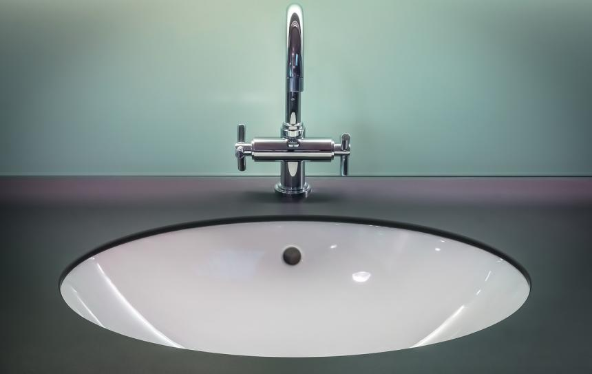Homemade Natural Cleaning Solutions for the Bathroom- tiles, toilet, sink, tub