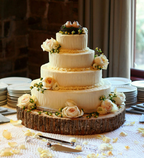 Elegant Wedding Cake With Modern Details By Nashville Bakery Twisted Fig Designs The Pink