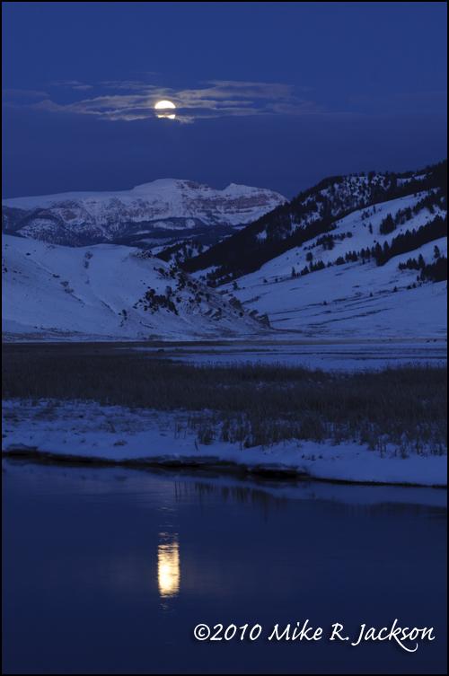 Sleeping_Indian_Full_Moon_Rise