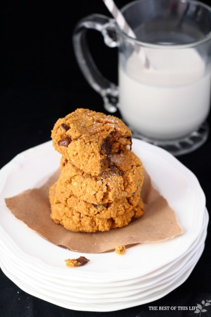 Ooey Gooey Pumpkin Chocolate Chip Cookies #glutenfree www.bestofthislife.com