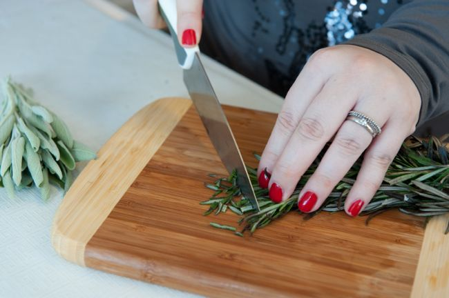 Catelli Gluten-Free Chopping Rosemary www.bestofthislife.com