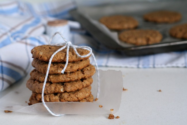Almond Butter Oatmeal Cookies #glutenfree #dairyfree #cookies