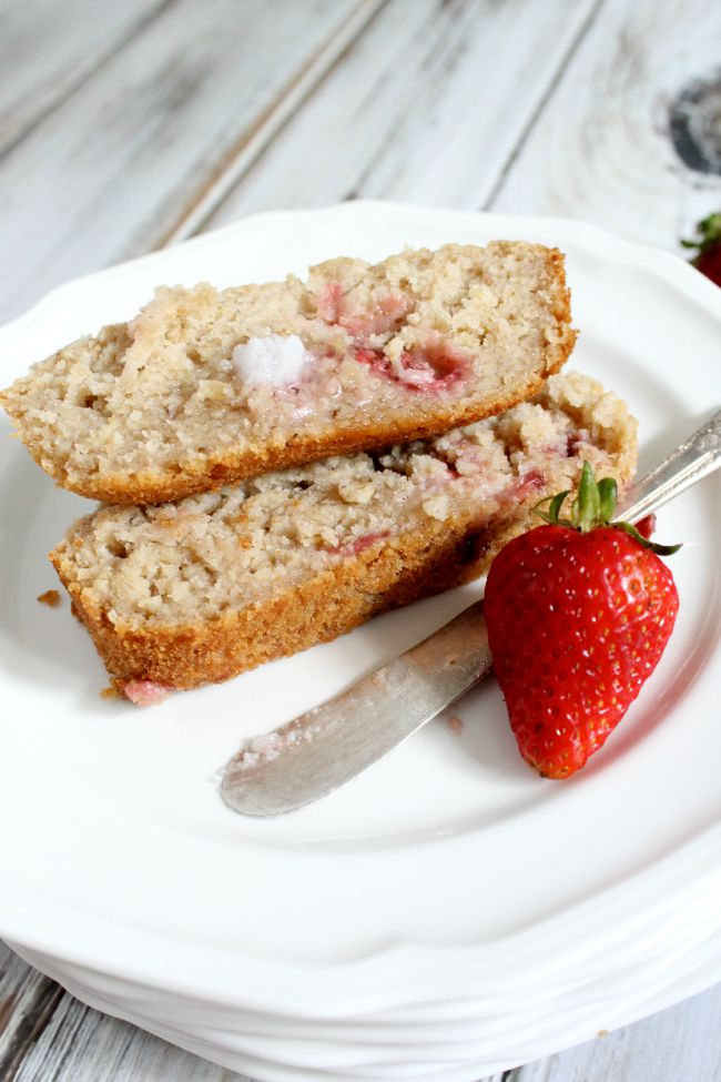 Apple Sauce Bread with Strawberries