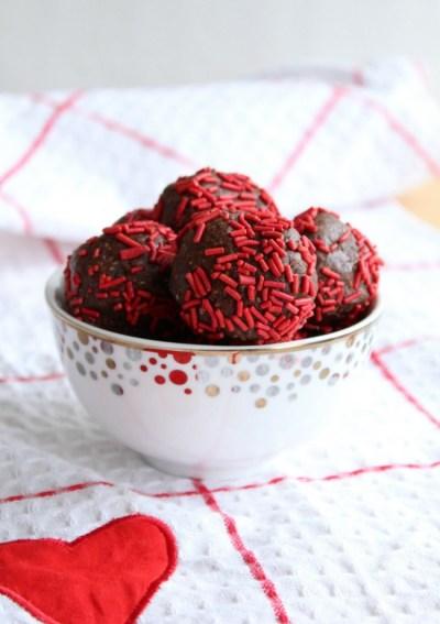 Valentine's Day Chocolate Peanut Butter Snack Bites