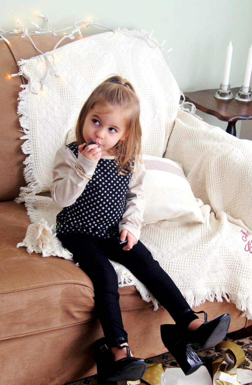 peekaboo-beans-black-and-oatmeal-holiday-outfit