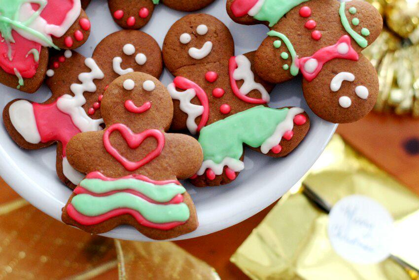 the-true-spirit-of-christmas-and-our-familys-gingerbread-men-women-recipe-on-lifestyle-blog-bestofthislife-com