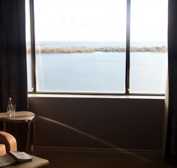 Treat Yourself To A Dreamy Stay At The Westin Harbour Castle Toronto