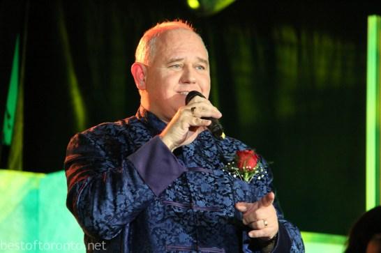 The Mayor of Markham, Frank Scarpitti, singing in Cantonese