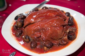 Stewed duck with chestnuts