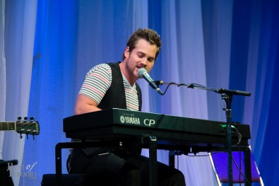 Theo Tams, winner of Canadian Idol, season 6