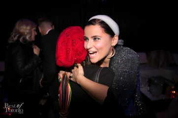 Nelly Furtado saying hi to Rachel David