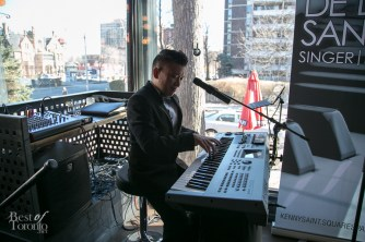 Live music by Kenny Saint