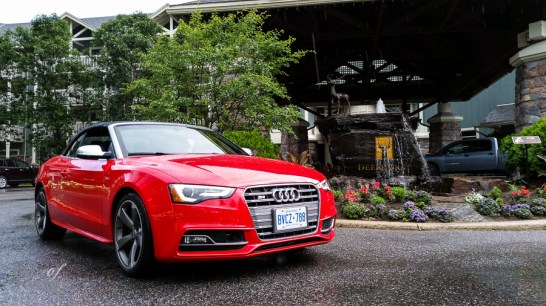 Parking the Audi S5 Cabriolet in front of Deerhurst Resort in Bracebridge. Photo snapped with the Samsung Galaxy S5.