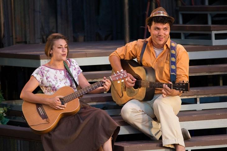 Gwenlyn Cumyn and Emilio Viera in As You Like It | Photo: David Hou