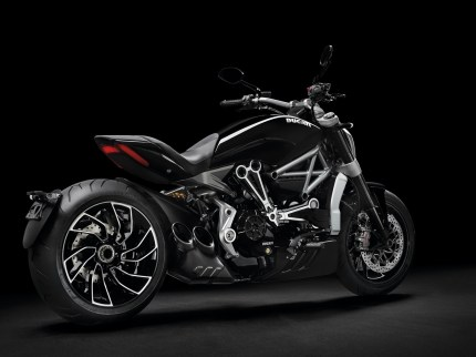 ducati-xdiavel-s-receives-red-dot-award-2016-best-of-the-best_3