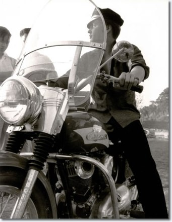 motorcycle-elvis-7