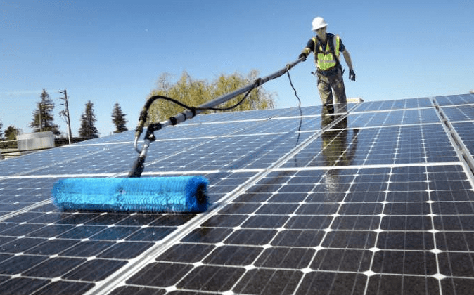Best solar cleaning tools reviewed 2018 best solar tech for Best solar panels 2016