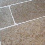 Natuursteen onderhoud Doetinchem – kalksteen vloer schuren en impregneren