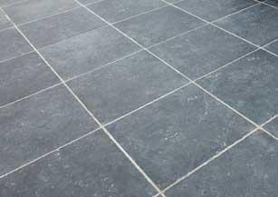 natuursteen-terras-onderhoud