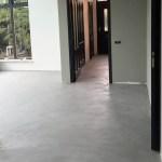 Microcement vloer over tegelvloer in Ulft