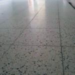 Schuren natuurstenen vloer Hoogvliet