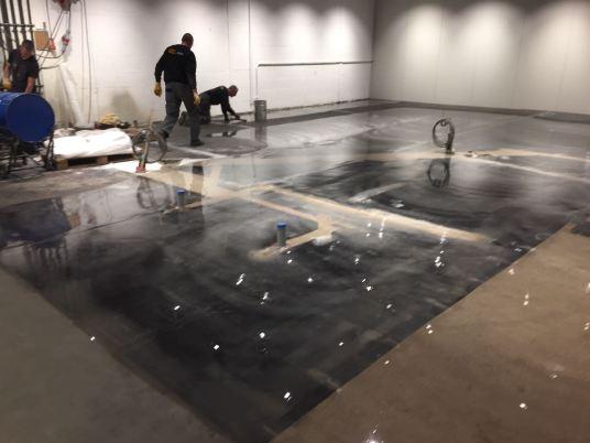 epoxy gietvloer met betonlook voor Sligro Helmond