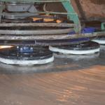 Betonvloer behandelen met behulp van vlindermachines in Varsseveld