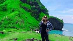 Pantai Benteng terletak di Desa Oesoko, Kecamatan Insana Utara, Kabupaten Timor Tengah Utara, (TTU) Provinsi Nusa Tenggara Timur (NTT)