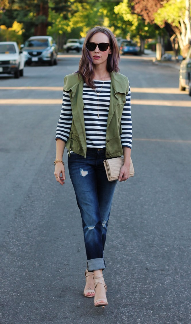 mavi jeans, stiped shirt, military vest, nude clutch, basket weave clutch, casual outfit ideas