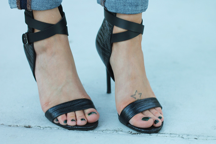 joe's heels, black sandals, joe's strappy sandals, strappy summer heels, cuffed jeans, strappy heels with jeans