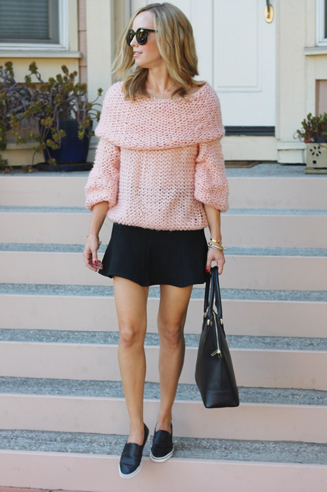 90s inspired sweater, chunky knit sweater, pink sweater, cowl neck sweater, karen walker sunglasses, tory buch bag, dolce vita flats