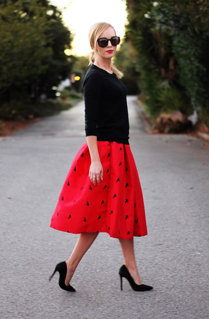 Schutz Gilberta, red midi skirt, midi skirt, frog print skirt, red and black outfits, engagement photo outfit ideas,