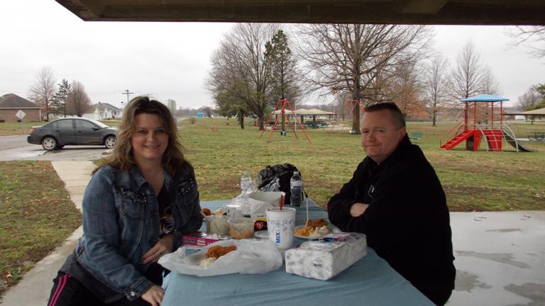 Beth and Ray Jones on picnic