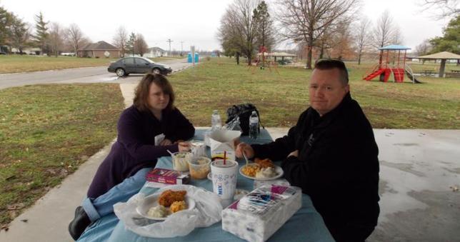 Leah and Ray Jones on picnic