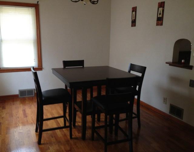 Dining room dinette
